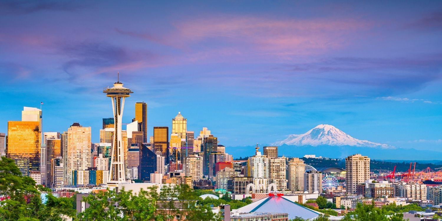 With incredible cityscapes, seascapes, and a long-list of amazing dog-friendly parks, Seattle scores top marks as a pet paradise!