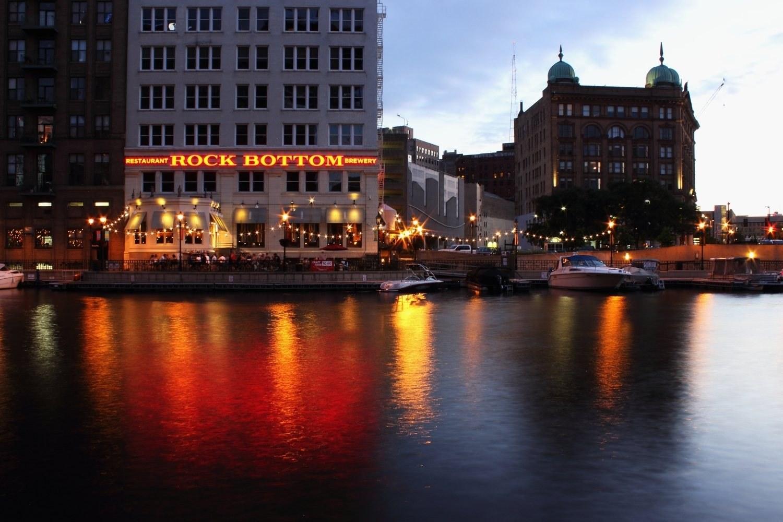 Dog-friendly-restaurants-Milwaukee-rock-bottom