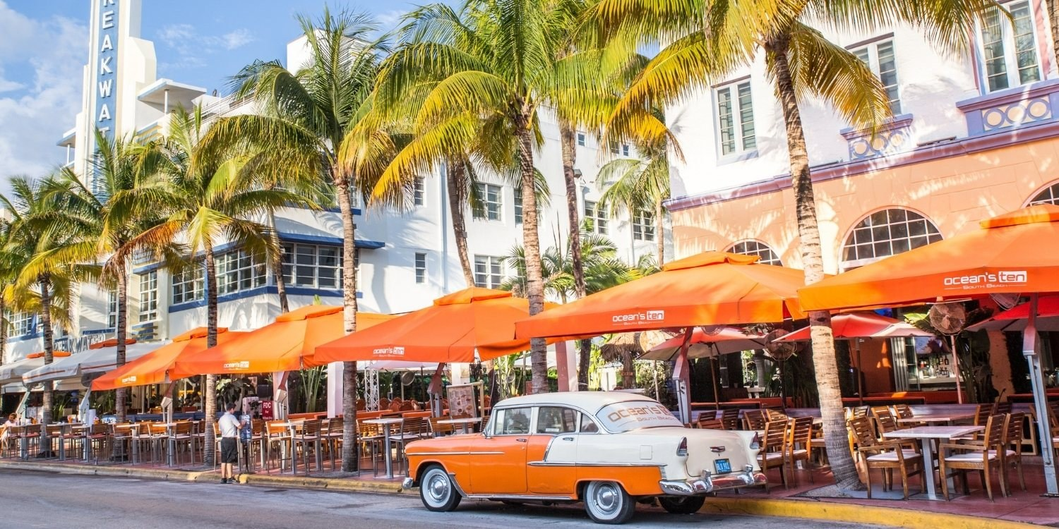 Local Pet Care is excited to bring you a curated list of the very best dog-friendly restaurants, bars, and breweries in Miami, FL!!