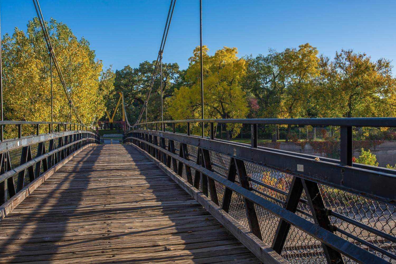 Minneapolis Dog Parks - Bridge