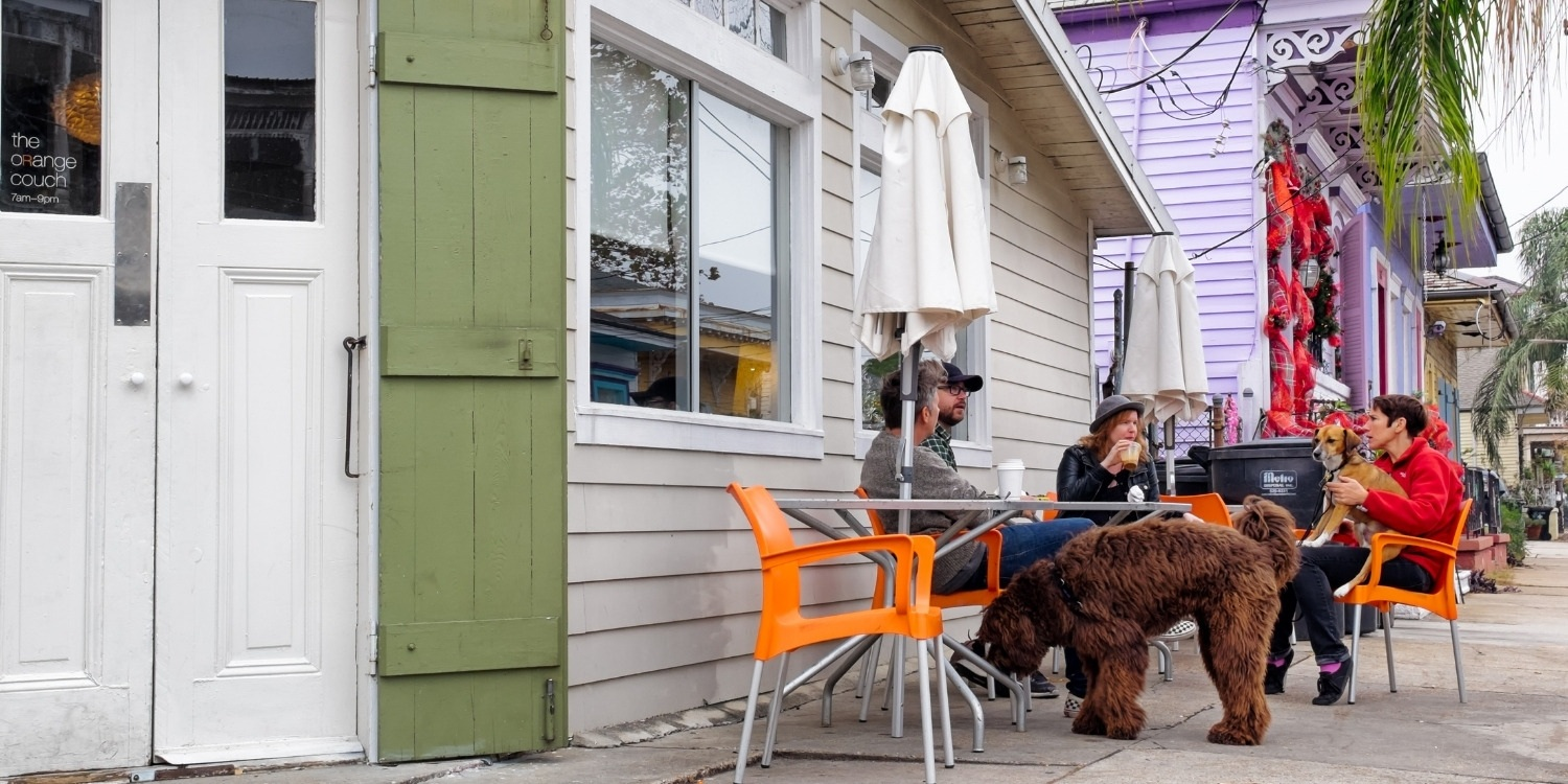 Local Pet Care is excited to bring you a curated list of the very best dog-friendly restaurants, bars, and breweries in New Orleans!!