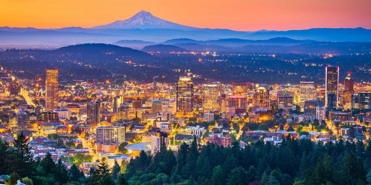 Local Pet Care is excited to bring you a curated list of the very best dog-friendly restaurants, bars, and breweries in Portland, OR!!